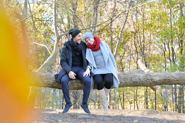romantisches paarfotoshooting zum jahrestag in berlin mauerpark, outdoorfotoshooting ideen, fotograf berlin, mobiler fotograf, fotografin jennifer sanchez, portraitfotos berlin, fotoshooting berlin, gruppenfotos, fotograf berlin,  paarfotos in der natur, paarfotoshooting, JGA fotoshooting, kreative portrait fotos berlin, fotostudio neukölln, fotoshooting in der natur, pärchenfotos in der natur, gutschein paarfotoshooting, gutschein fotoshooting berlin, fotograf neukölln,