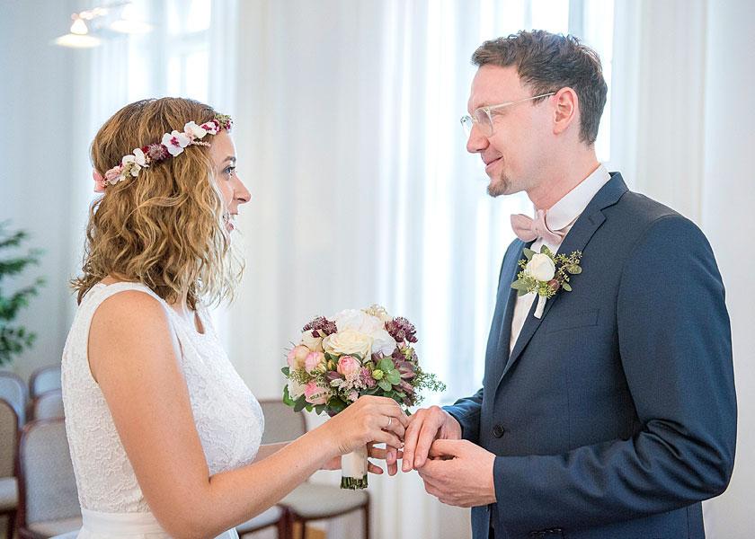 heiraten in berlin, hochzeit zu zweit berlin, hochzeitsfotos berlin, hochzeitsfotograf, heiraten im standesamt