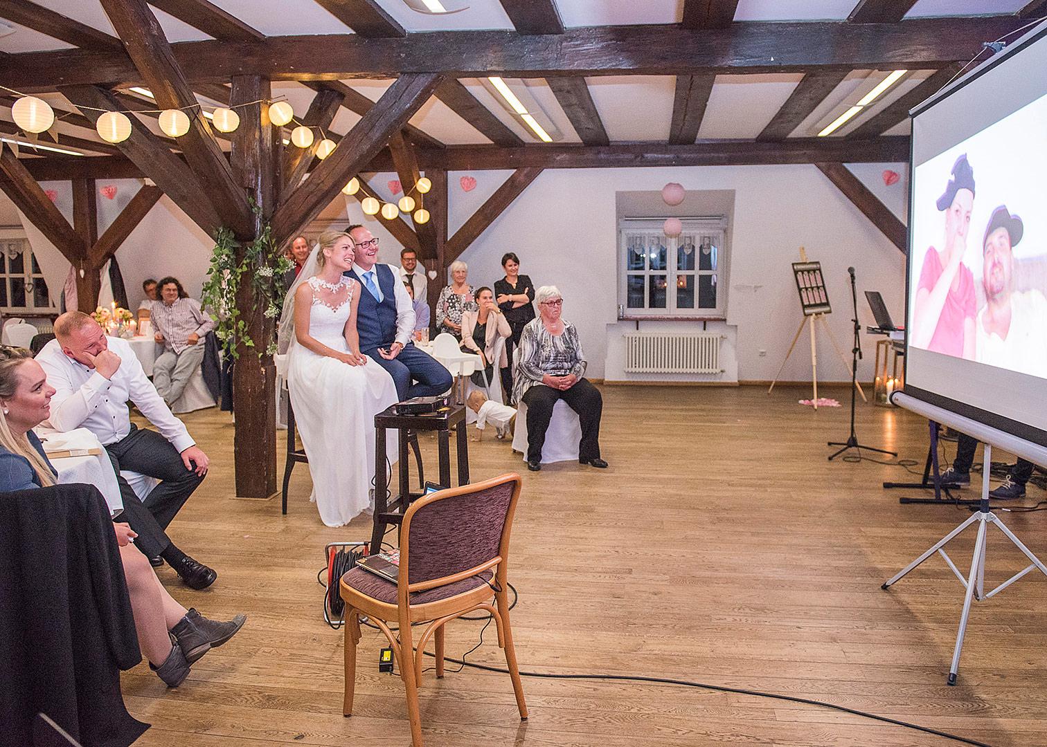 sitzplan hochzeit, diy sitzplan, hochzeitsdeko, hochzeitsfotograf, tischdekoration hochzeit, heiraten in der springbachmühle, hochzeit springbachmühle, hochzeitsfeier