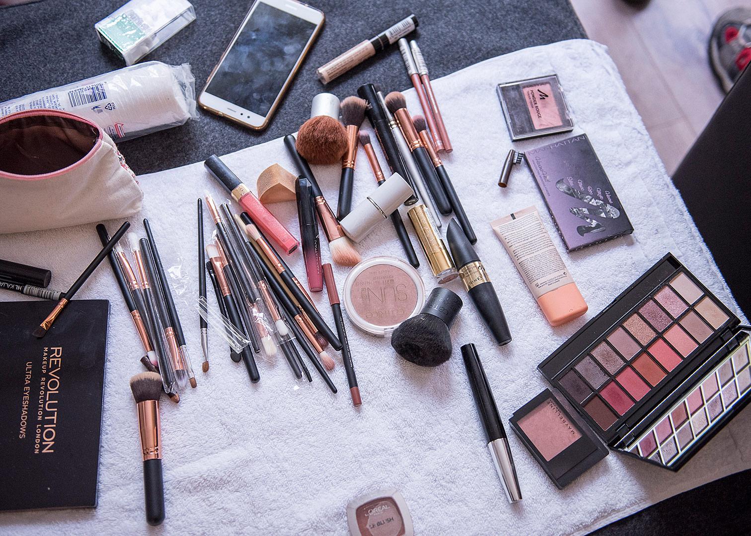 Getting Ready, Hochzeitsfotograf, ankleiden, schminken vor der hocheit, hochzeits make up