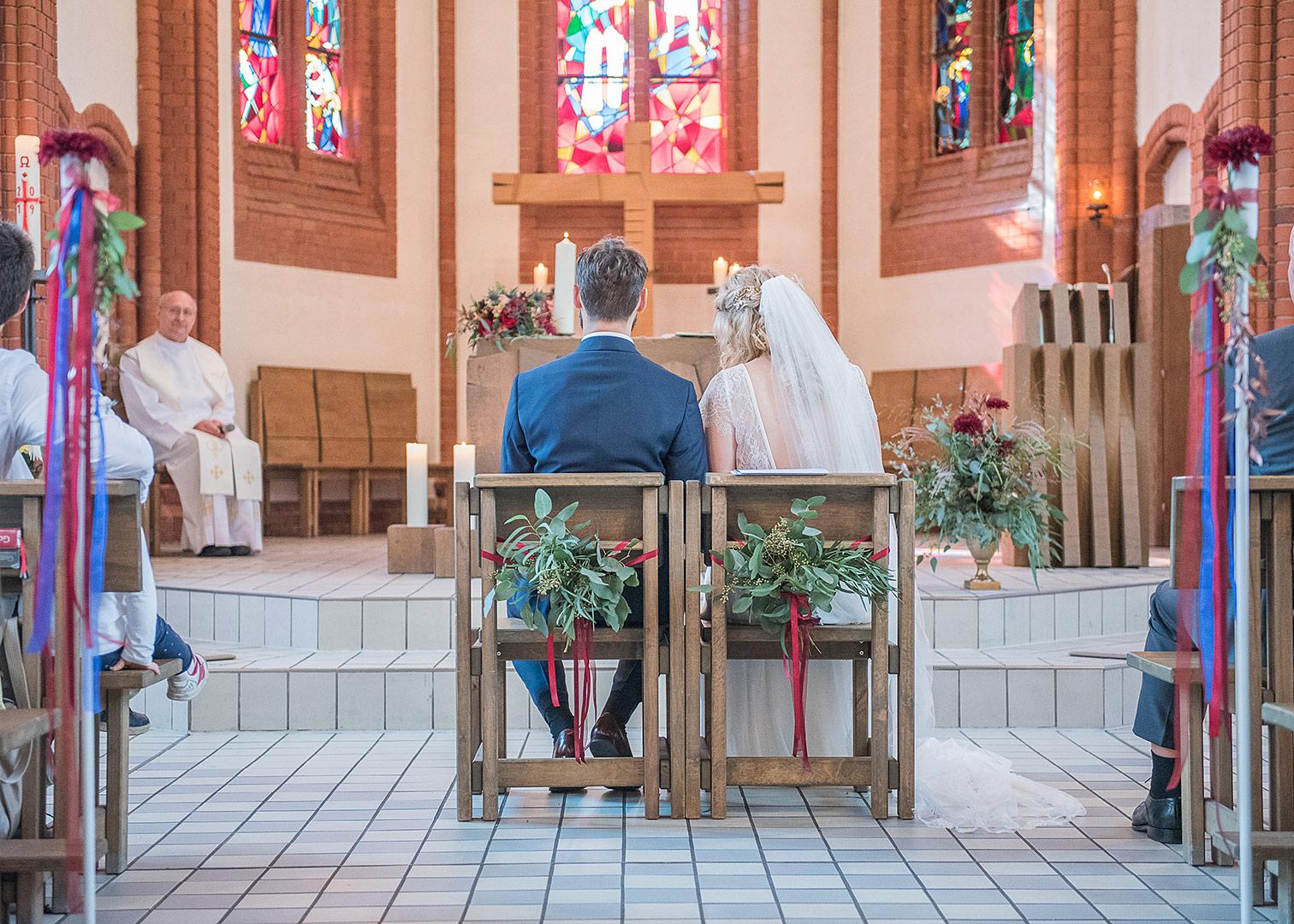 herbst hochzeit berlin, kirchliche trauung, kirche köpenick, heiraten in der kirche, hochzeit berlin, hochzeitsfotos berlin, hochzeitsfotograf, heiraten in berlin, heiraten in köpenick