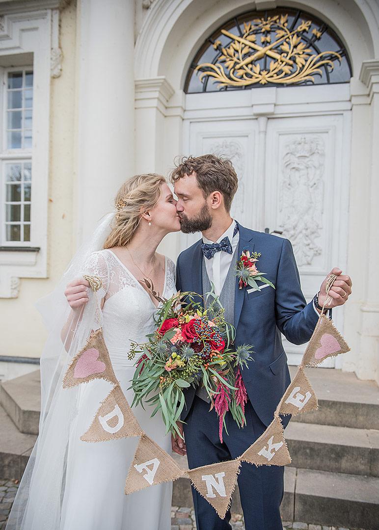 herbst hochzeit berlin, kirchliche trauung, kirche köpenick, heiraten in der kirche, hochzeit berlin, hochzeitsfotos berlin, hochzeitsfotograf, heiraten in berlin, heiraten in köpenick, brautpaarfotoshooting