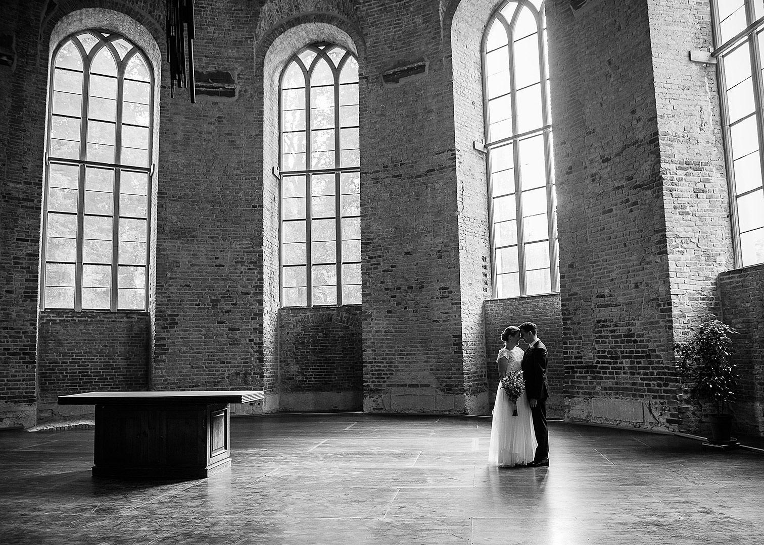 hochzeitsfotograf berlin, hochzeitsfotos berlin, heiraten im standesamt, hochzeit zu zweit in berlin, alleine heiraten, brautpaarfotos, herbsthochzeit ideen, kirchliche trauung berlin, heiraten in der kirche